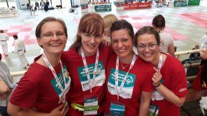 Helferteam Yong Schule Kiel bei Special Olympics